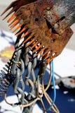 导线、卷和链子金属艺术雕塑 免版税库存图片