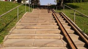 导致老的楼梯 免版税库存图片