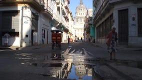 导致首都的巴塞罗那街道 股票视频