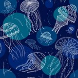 导航与水母的无缝的样式在种族boho样式 免版税图库摄影
