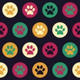 导航与猫或狗脚印的无缝的样式 免版税库存图片