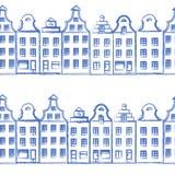 导航与老欧洲手拉的房子的无缝的样式,建立概略线艺术隔绝在白色背景 免版税库存照片