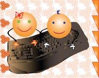 导航写在计算机的女孩和男孩微笑 免版税图库摄影