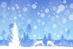 导航在蓝色颜色的冬天圣诞节树木丛生的风景与降雪作用 库存图片
