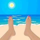 导航女孩的脚的例证在海滩的 免版税库存照片