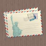 导航葡萄酒与自由女神象的样式信件、美国和地方标记和邮票文本的木纹理的 向量例证