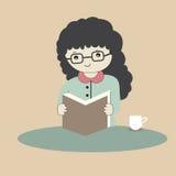 导航读书的动画片女孩的例证 免版税库存图片