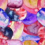 导航水彩桃红色的无缝的样式,蓝色,红色,紫罗兰色斑点 彩虹墙纸 冷却印刷品 现代的设计 库存照片