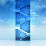 导致天空背景的楼梯垂直的建筑 免版税库存照片