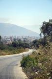导致镇的路 图库摄影