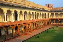 导致Diwan-i- Khas & x28的柱廊走道; 私有奥迪的霍尔 图库摄影