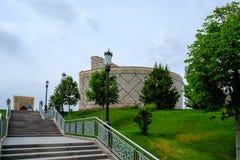 导致Mirzo Ulugbek观测所的楼梯  免版税图库摄影