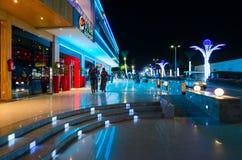 寿司休息室在伦敦苏豪区普遍的购物和娱乐区在晚上, Sharm El谢赫,埃及摆正 库存照片
