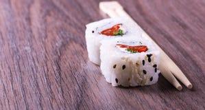 寿司和剁棍子 图库摄影