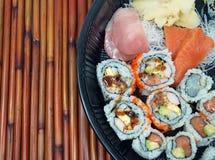 寿司和生鱼片盛肉盘 免版税库存图片