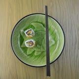 寿司和筷子 图库摄影