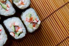 滚寿司 库存照片