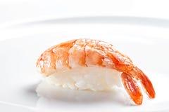 寿司nigiri用在白色背景的老虎虾 库存照片