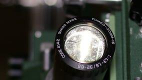 射出电影的16mm电影放映机光学透镜 股票视频