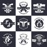 射击俱乐部、枪和弹药葡萄酒象征 向量例证