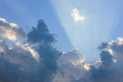 射线和云彩 图库摄影