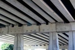 射线桥梁列混凝土engineery 免版税库存图片