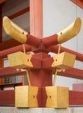 射线的末端金黄保护者在平安神宫的 图库摄影