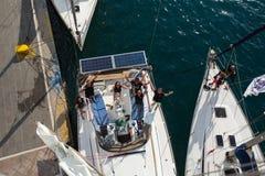 射击从帆柱的顶端在希腊海岛群中的航行赛船会第16 Ellada秋天期间2016年在爱琴海 库存照片