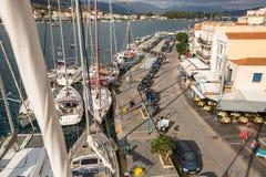射击从帆柱的顶端在希腊海岛群中的航行赛船会第16 Ellada秋天期间2016年在爱琴海 免版税库存图片