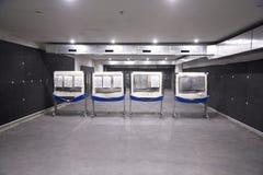 射击者的目标地下室内靶场的 免版税库存图片