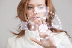 将来的技术 妇女与未来派一起使用 免版税库存图片