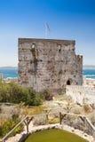 尊敬摩尔人城堡的塔在直布罗陀 库存照片