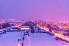 小东欧城市镇夜地平线  免版税库存照片
