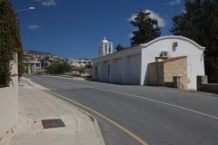 小东正教在Peyia的郊区 塞浦路斯 免版税库存照片