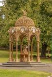 小亭子在城市公园,朗塞斯顿,塔斯马尼亚 库存图片