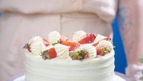 小企业和爱好概念 点心师,做一个蛋糕 股票视频