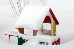 小儿童` s房子在孩子的幼儿园冬天风景的 免版税图库摄影