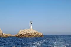 小光在离卡普里岛的附近,意大利东海岸  图库摄影