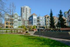 小公园区域在冬天季节的加拿大城市 免版税库存图片
