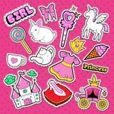 小公主Stickers、徽章和补丁 逗人喜爱的女孩的乱画有独角兽、冠和棒棒糖的 免版税库存图片