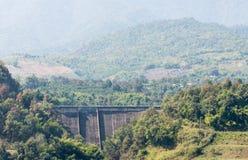 小具体水坝 库存图片