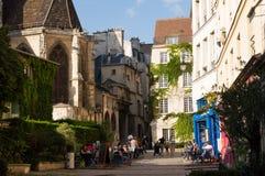 小典型的正方形在巴黎 库存照片