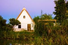 小农舍或者'barraca'在盐水湖'La Albufera' 免版税图库摄影