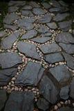 小卵石和石头路 免版税库存图片