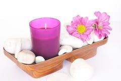 小卵石和蜡烛 库存照片