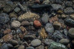 小卵石和水 免版税图库摄影