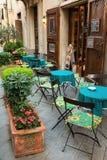 小咖啡馆在托斯卡纳,意大利 库存图片