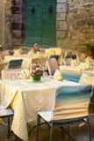 小咖啡馆在托斯卡纳,意大利 免版税库存照片