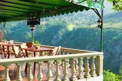 从小咖啡馆阳台的看法  库存图片