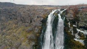 小咯吱咯吱声在爱达荷国家公园哺养大瀑布 股票录像